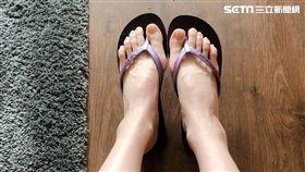 拖鞋 夾腳拖(記者郭奕均攝影)