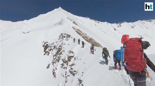 喜馬拉雅山,聖母峰,登山,登山客(圖/翻攝自Hindustan Times YouTube)