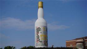 金酒:與陸合作酒品營銷是為開拓市場金門酒廠公司9日表示,金酒所有大陸酒品營銷策略,都本於開拓大陸市場利基而為;與漳州天福集團是酒品的銷售合作而非技術性合作,絕對經得起全民檢驗。中央社記者黃慧敏攝 108年7月9日