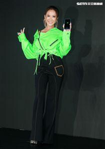 COCO李玟魅力現身分享LINE MUSIC上線音樂交流樂趣。(記者邱榮吉/攝影)