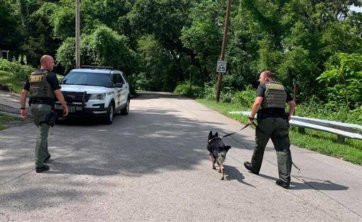 警察,密蘇里州,放屁,嫌犯,逮捕(圖/翻攝自臉書)