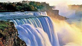 尼加拉瀑布美國一側。(圖/翻攝自Niagara Falls State Park官網)https://www.niagarafallsstatepark.com/