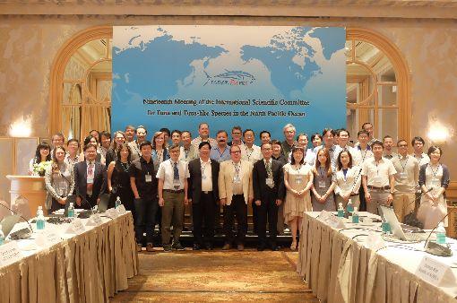 ISC評太平洋北方黑鮪復育可達標由台灣主辦的第19屆北太平洋鮪類及類鮪類國際科學委員會(ISC)11日起舉行,ISC副主席、中山大學海洋事務研究所教授張水鍇(前排左5)表示,ISC評估2024年全球的太平洋北方黑鮪可恢復到人類捕抓前資源量的6.7%,且台灣的貢獻大。(漁業署提供)中央社記者楊淑閔傳真  108年7月11日
