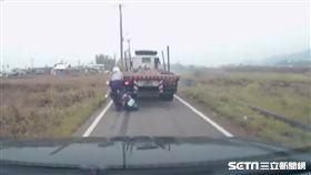 酒駕拖板車倒車撞警/資料照