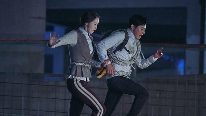 潤娥被劇組公認為「體力王」,竟然跑得比曹政奭還快?!