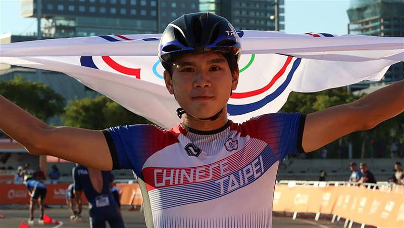 台灣第一人!滑輪溜冰1萬公尺計點賽 陳彥成世錦賽奪金