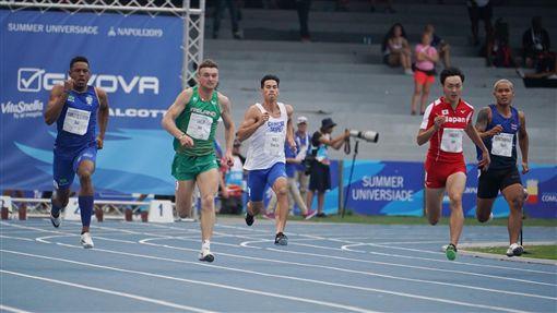 ▲楊俊瀚因為鼠蹊部傷勢退出世大運男子400公尺接力。(圖/翻攝自SSU大專學生運動網臉書)