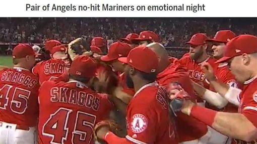 ▲紀念史蓋格斯(Tyler Skaggs)這一夜,天使2投手演出無安打比賽。(圖/翻攝自MLB官網)