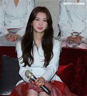 韓國女團CLC成員有真。(記者邱榮吉/攝影)