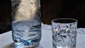 寶特瓶,瓶裝水,礦泉水(圖/翻攝自pixabay)