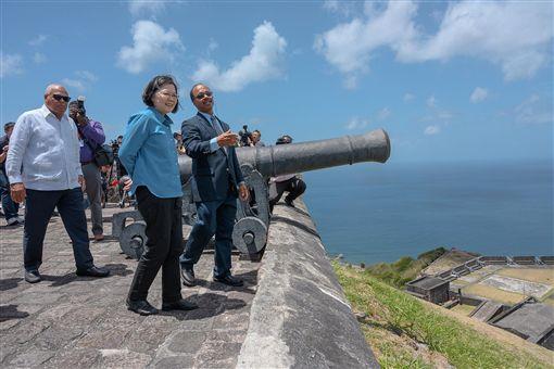總統蔡英文訪問加勒比海友邦聖克里斯多福及尼維斯。(圖/翻攝蔡英文臉書)