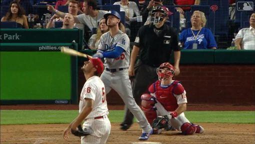 ▲貝林傑(Cody Bellinger)單場雙響砲,33轟暫居全壘打王。(圖/翻攝自MLB官網)