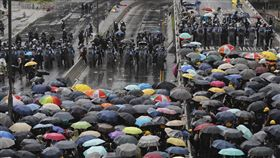 7/1香港反送中衝突(圖/翻攝自AP)