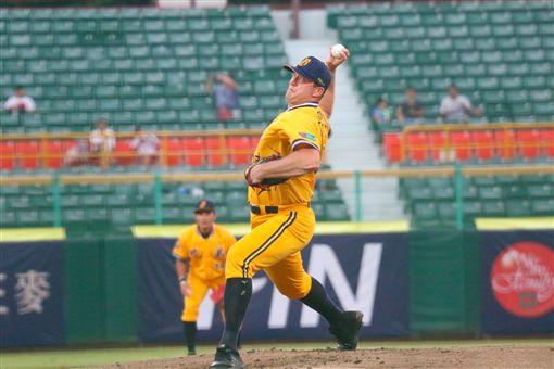 ▲中信兄弟投手Mitch Lively(萊福力)在澄清湖球場獲得今年第4勝。(圖/中信兄弟球團提供)