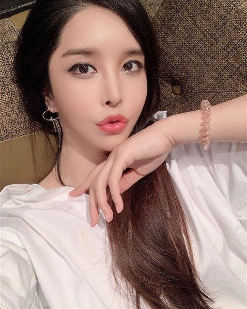 南韓「最美變性女星」河莉秀/IG