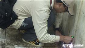 圖-疾管署防疫人員於台南市中西區開山里查核孳生源