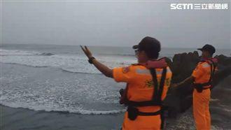 自備塔位?海警未解除 男烏石港衝浪