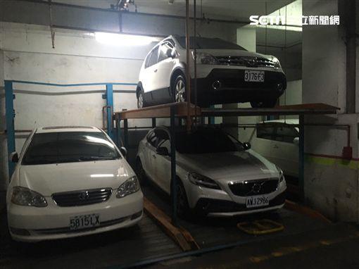 台南市劉姓女嬰墜落駐車坑現場(翻攝畫面)