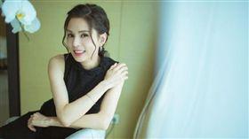 李若彤被譽為「最美小龍女」。(圖/翻攝自李若彤微博)