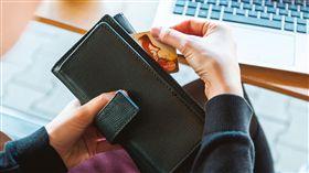 付錢,錢包(圖/翻攝自PIXABAY)