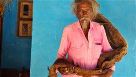 印度,頭髮,託夢,保護,剪髮,洗髮,奇蹟,祝福,魔髮奇緣,樂佩, 圖/翻攝自推特