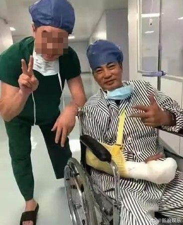 任達華,刀傷,遇刺,手術(圖/翻攝自微博)