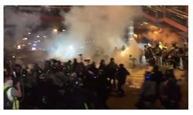 香港,反送中,白衣人,血洗元朗,催淚彈,警方