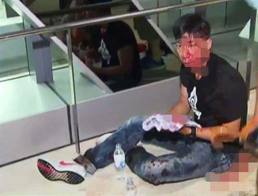 香港,元朗,白衣人,攻擊,西鐵站。翻攝自臉書巴打絲打Facebook Club