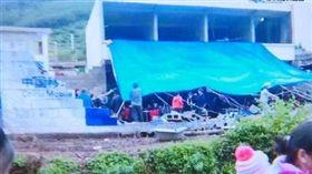 網紅直播「母親喪禮」!圍牆突倒塌20傷 神隱遭罵翻 澎湃新聞