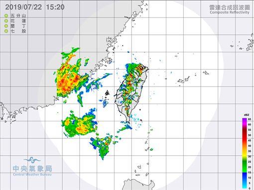 劇烈閃電狂襲!7縣市發布大雷雨特報(圖/氣象局)