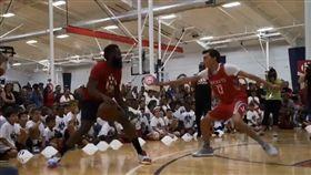 NBA/哈登迷蹤步…小朋友直接跪了 NBA,休士頓火箭,James Harden,假晃 翻攝自推特