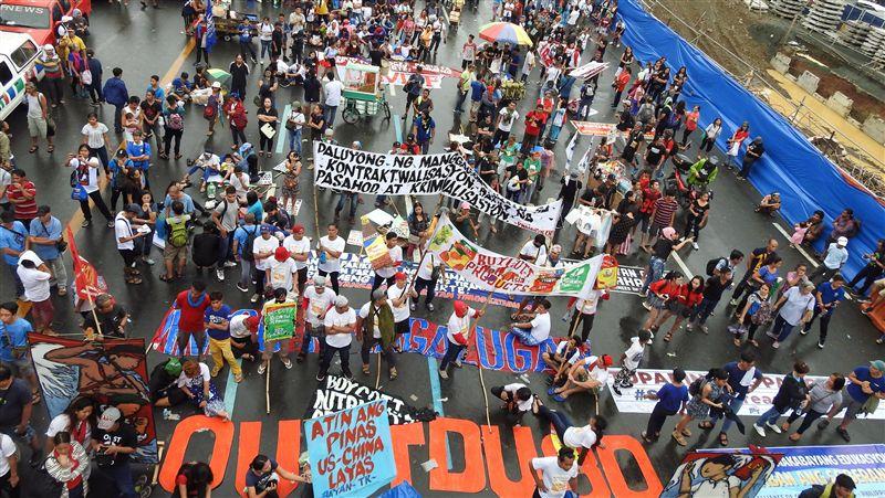 杜特蒂發表國情咨文!菲律賓漁民遊行抗議 怒嗆:中國離開