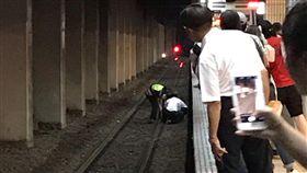 台北市,台北車站,落軌,意外,