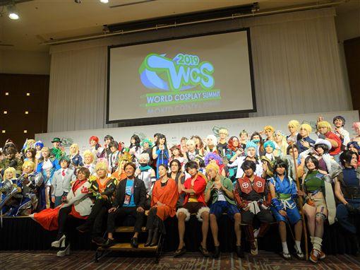 COSPLAY世界大賽(WCS)今年是第17度舉辦,有來自40國80人參賽。本月18日京都動畫公司第一工作室遭人縱火釀成34死34傷慘劇,26日多位WCS參賽者表達哀悼之意。