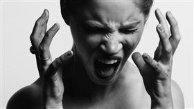 圖/翻攝自unsplash,噪音,崩潰,生氣,憤怒