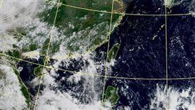 不穩定到8月中!颱風溫床出現 彭啟明:可能同時2、3個 圖翻攝自中央氣象局官網
