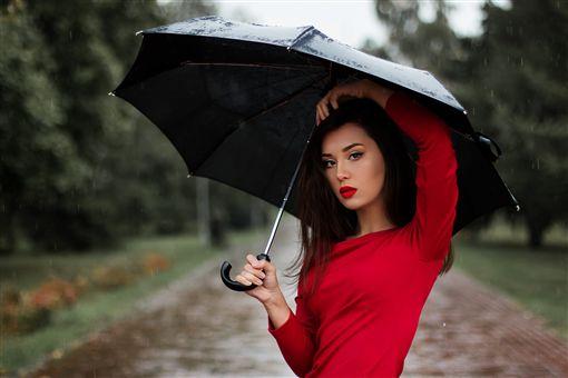 紅色衣服/Pixabay