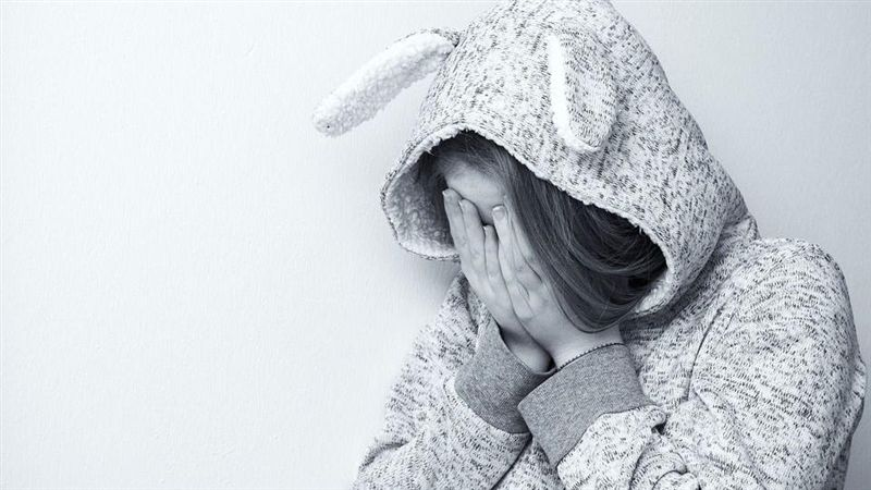 隔壁傳哭聲、一看門上密碼鎖沒開啊 女學生嚇:是誰在哭?