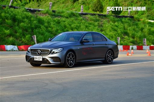 ▲Mercedes-AMG E 53 4MATIC+。(圖/鍾釗榛攝影)
