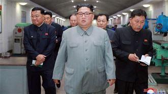 金正恩再度視察新型火箭系統試射