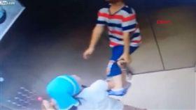 土耳其伊斯坦堡,電梯,孩童,繩索,上吊,弟弟 https://www.youtube.com/watch?v=pCx1XdVQWeY