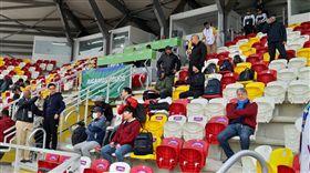 ▲韓國隊專任監督金卿文現身祕魯看泛美運動會棒球項目。(圖/民眾提供)