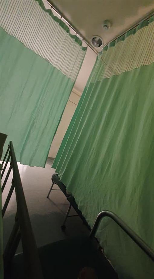 住院,病房,阿嬤,屁股,陪伴床(圖/翻攝自爆怨公社)