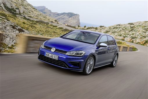 ▲Volkswagen Golf GTI獲得美國IIHS 2019 TOP SAFETY PICK安全評價首選。(圖/Volkswagen提供)