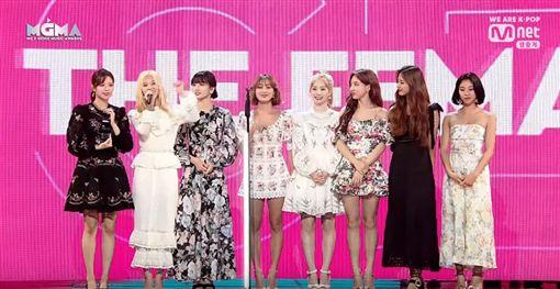 TWICE得獎不忘提成員Mina/翻攝自YouTube