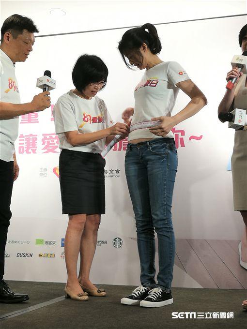 ▲國健署今年特別邀請藝人賴雅妍擔任「89量腰日」健康大使。(圖/記者楊晴雯攝)