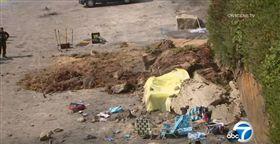 (美國南加州海灘「岩壁崩塌」 釀3喪命2受傷) 美國,葛藍德尤衝浪海灘,聖地牙哥,加州 (圖/翻攝自ABC7 YouTube) https://www.youtube.com/watch?v=zXCuWLMlk6E