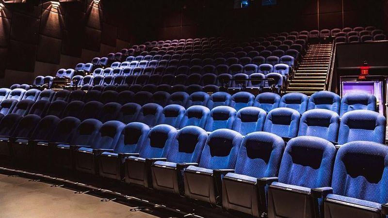 [新聞] 新北市宣布:27日起開放電影院「每廳上