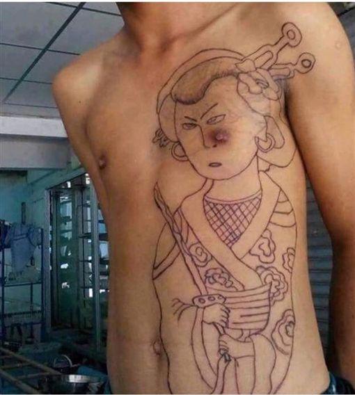 刺青,男友,左胸,神明,奶頭,乳頭,痣,靠北女友 圖/翻攝自臉書靠北女友
