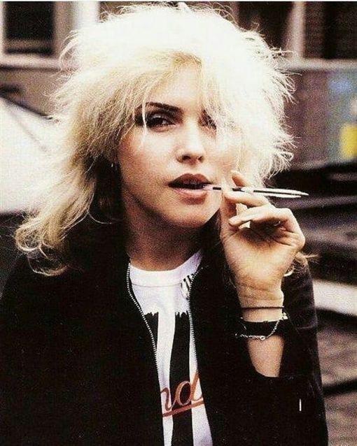 Blondie(金髮美女) 黛博拉荷莉(Debbie Harry) 圖/IG 網路